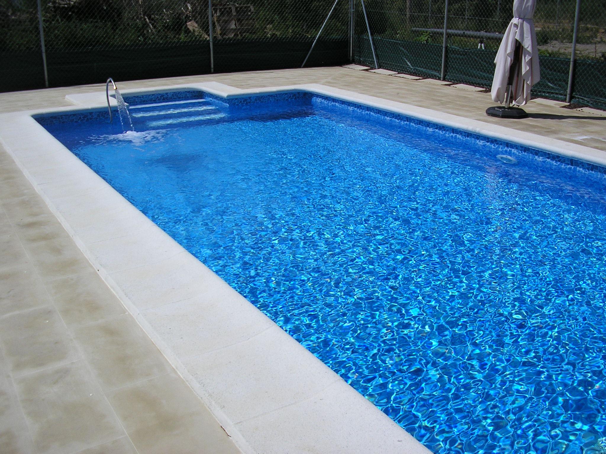Montaje de piscinas decomarfer for Colocar gresite piscina
